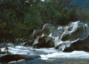 Thredbo-River-Rocks
