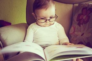 baby-girl-cute-nerdy-reading-book-Favim.com-2043340