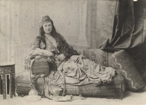 Tasma_photographed_in_Turkish_costume